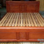 Giường gỗ gấp ở Đê La Thành